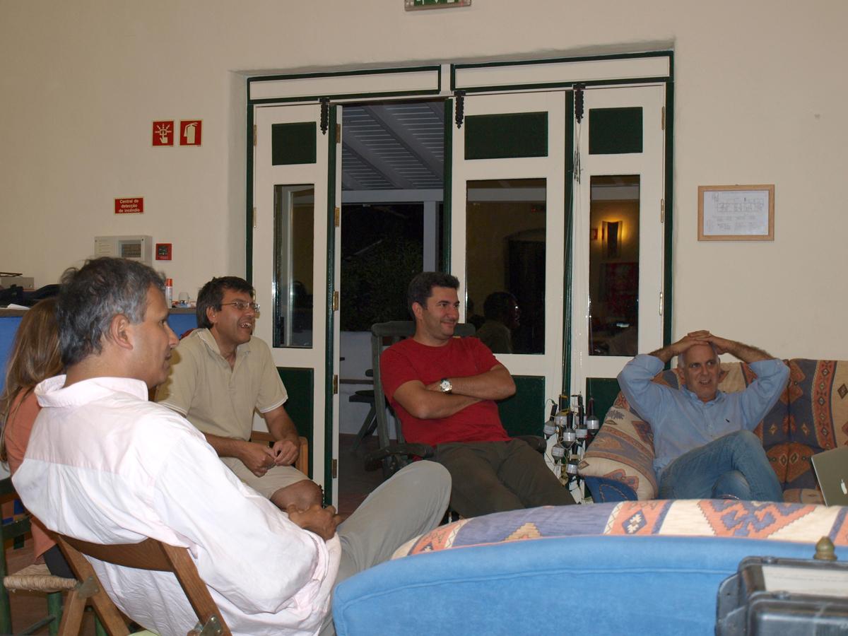 Nuno Lourenço o nosso apoio do IPMA (de t-shirt vermelha) com Teresa e Marco, todos do IPMA numa visita ao fim do dia na quinta.